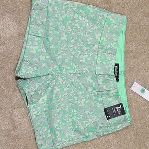"""**2 for $20 or 3 for $25** New York & Co. 4"""" Short"""